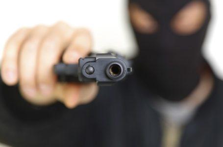 Víctimas de un robo en Shreveport luchan por sus vidas.