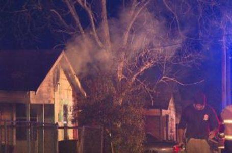 Bomberos rescatan a una persona de casa en llamas en Shreveport