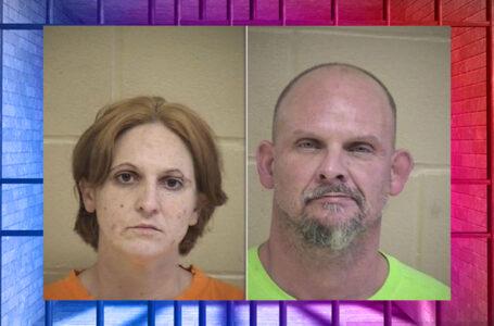 Presuntos ladrones de paquetes son arrestados