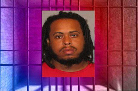 Hombre arrestado por consumir crack y otras drogas en presencia de menor