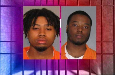 Dos arrestados por huir de la policía