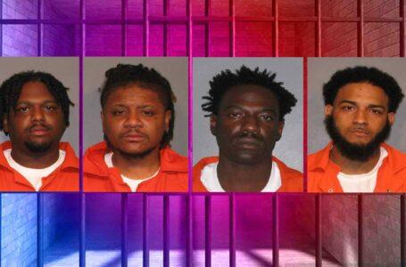 Cuatro arrestados por posesión de documentos de vehículos falsos