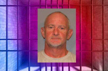 Vendedor de techos es arrestado por robo